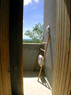 casita 6-outdoor shower
